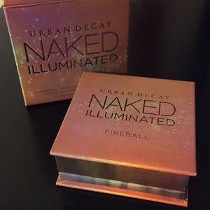 BNIB Urban Decay Naked Illuminated in Fireball